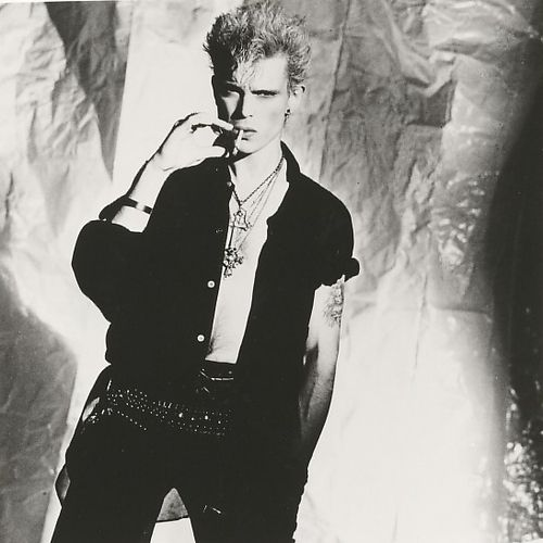 http://userserve-ak.last.fm/serve/500/330405/Billy+Idol.jpg