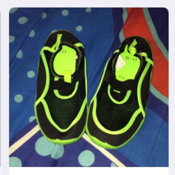 Kids water shoes Brand new, never used Shoes