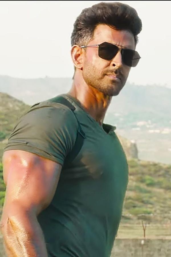 Hrithik Roshan After Massive Success Of Both Super 30 War Hrithik Roshan Says His Best Is Yet Hrithik Roshan Hrithik Roshan Hairstyle Bollywood Pictures