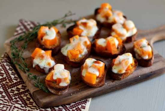 Sweet Potato BruschettaFood Appetizers, Easy Appetizers, Mouth Fun, Holiday Favorite, Appetizers Sid Dishes, High Heels, Potatoes Bruschetta, Sweets Potatoes, Hot Wheels