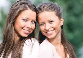 Resultado de imagem para gêmeos univitelinos