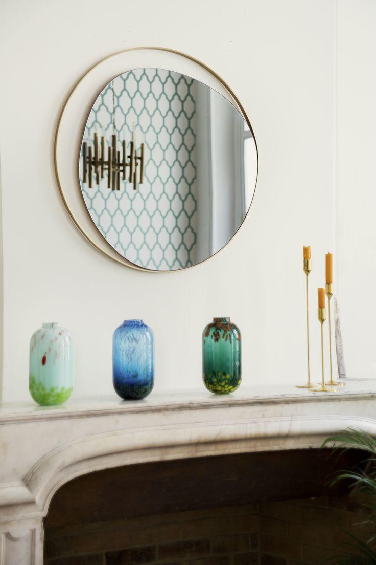 Miroir Ellipse, verre gris fumé et cadre laiton, Red Edition - Ellipse Mirror, smoked grey mirror and brass frame, Red Edition