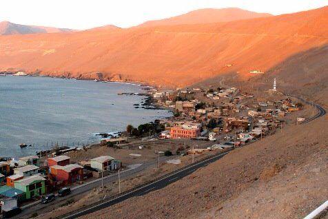 Pisagua era usada como una cárcel natural debido a su geografía, ya que, por un lado lo rodea el mar y por atrás, los cerros.