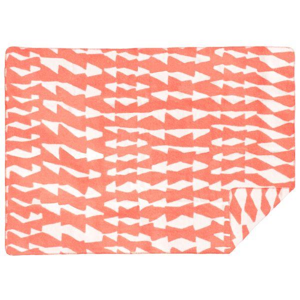 Christmas Gift Idea: Siksakki wool blanket by Kauniste.