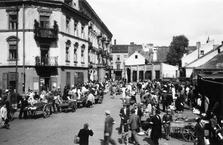 Nieistniejąca ulica Mirowska wychodząca od Placu Mirowskiego w kierunku Elektoralnej.  fot. 1940r., źr. fotopolska.eu