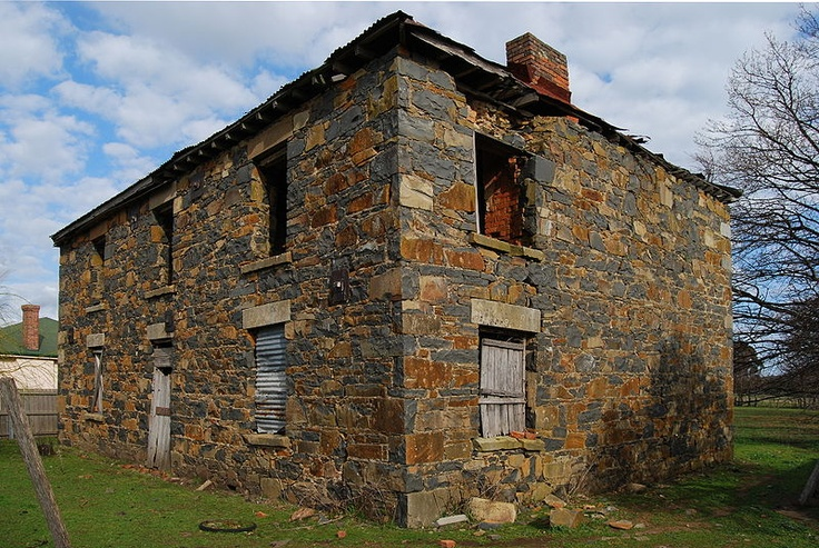 Derelict mid to late 19th century townhouse. On the road between Launceston and Ben Lomond, Tasmania, Australia | Peripitus
