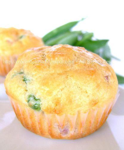 Muffins con prosciutto e piselli