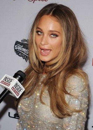 Hannah Davis: 2015 SI Swimsuit Issue Celebration -02 - Posted on February 11, 2015