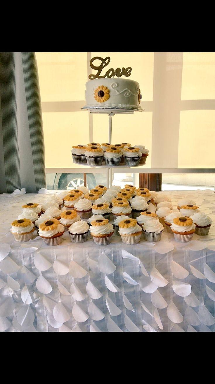 #SunFlower Themed #Wedding Cake and Cupcakes #DvasCakes #Cambridge