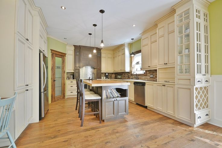 Maison à étages à vendre à Sainte-Sophie - 13267945 - FRANCIS MIREAULT FAUVEL