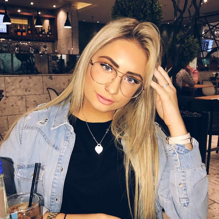 """40.2k Likes, 290 Comments - Saffron Barker (@saffronbarker) on Instagram: """"At the airport on my way to LA !! I'm gonna be vlogging the whole trip so make sure you subscribe…"""""""