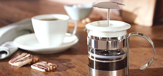 A french press egy olyan dugattyús kávéfőző, amely már sok éve a közkedvelt kávékészítési eszközök közé tartozik. Megmutatjuk, hogyan készíthet vele kiváló