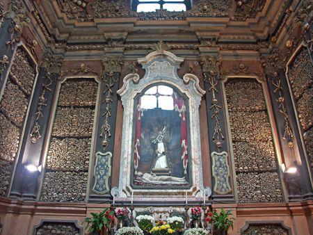 Chiesa di San Bernardino alle Ossa. Via Verziere, 2, Milano.
