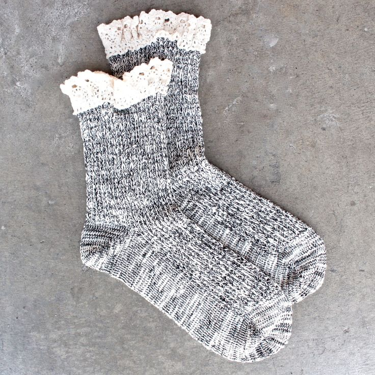 marled crew socks with lace