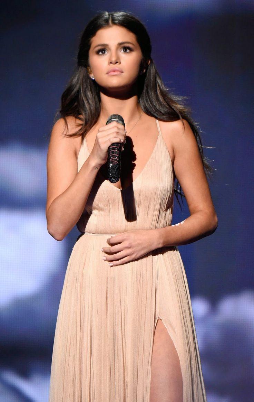 2014 AMA awards Selina Gomez
