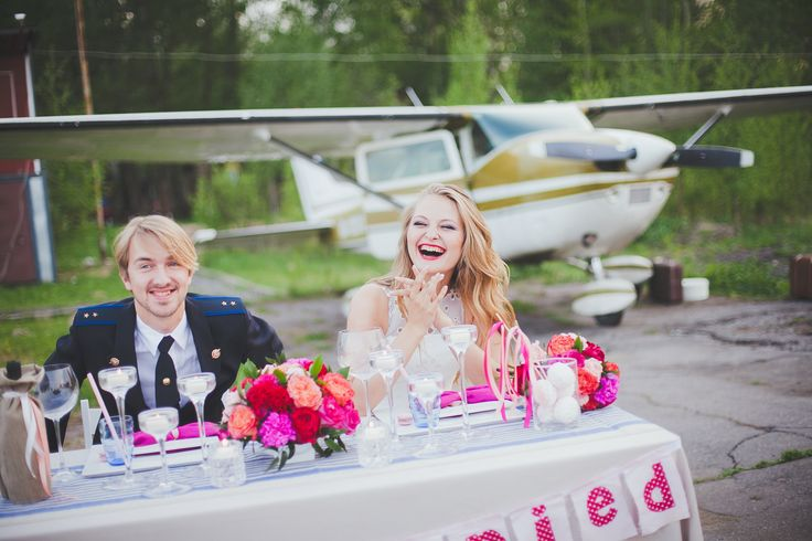 Свадебный ужин для двоих. Свадьба на самолете. Свадьба в небесах . Wedding dinner for two. Wedding on the plane. Wedding in the Sky