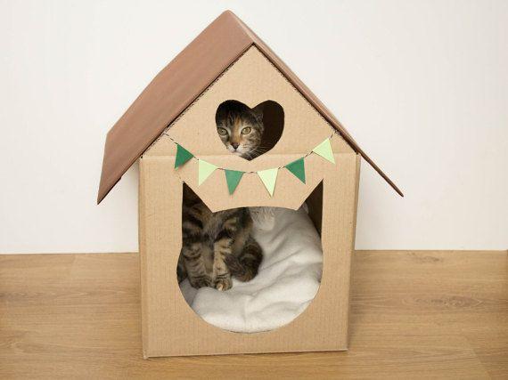 Items op Etsy die op Kartonnen huis uitgesneden kat en hart voor huisdieren of speelgoed lijken