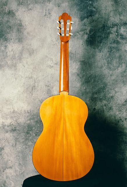 Guitarras custom construídas por Rodolfo Cucculelli, Luthier: Violão Clássico, escala 650 mm., Cedro vermelho Ca...