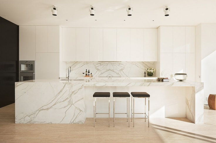 Dream kitchen in Cloverdale Avenue Home, Toorak by David Watson Architect Pty Ltd Architecture