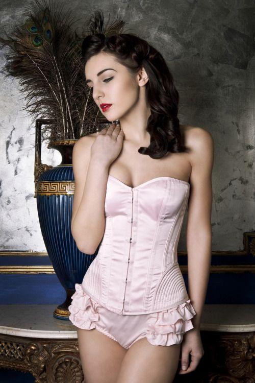 #pretty_in_pink #fashion #women #dress #gown #femininity #elegance