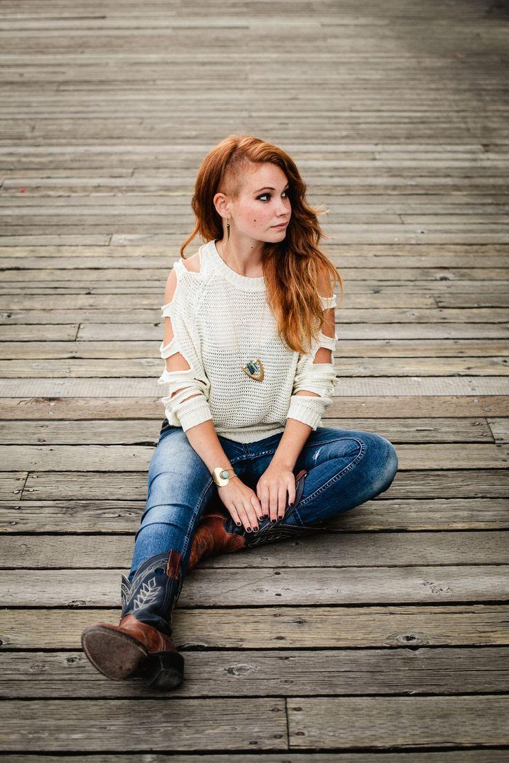 Photographer: Kim James Photography Jewelry artist: Sarah Mulder Jewelry Model/Mua: Miss Morgane