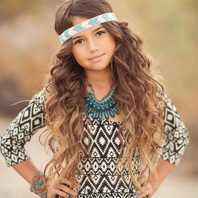 Khia Lopez by Genenvieve Photograpy. I Absolutely Love this little girls hair!