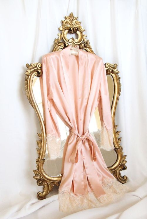 Love beautiful silky robes! !!