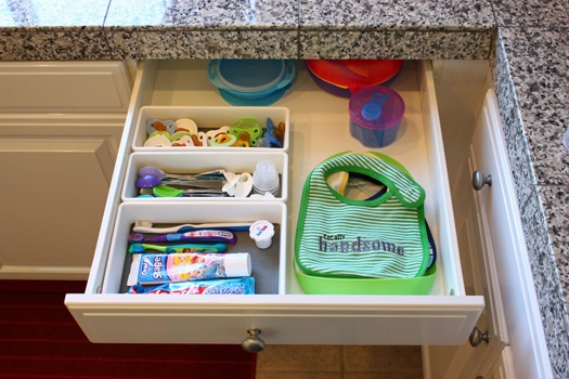 Baby drawer in the kitchen....,my baby drawer is a mess!!! Its full and just all thrown in haha