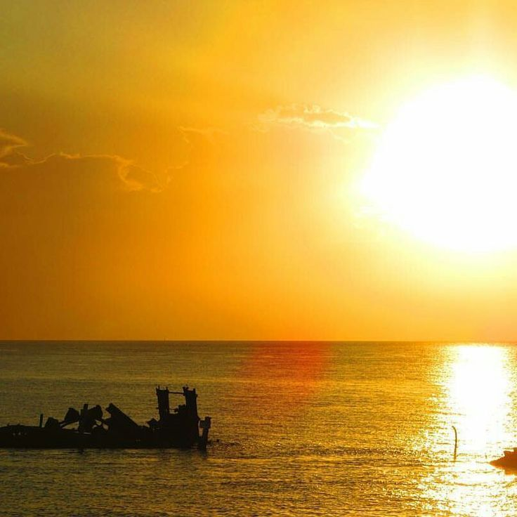 Sunset Safaris offers Fraser Island Tours and Great Barrier Reef from 1 to 6 days packages departing Brisbane, Gold Coast & Noosa Call us 1300 553 606.  http://www.sunsetsafaris.com.au/