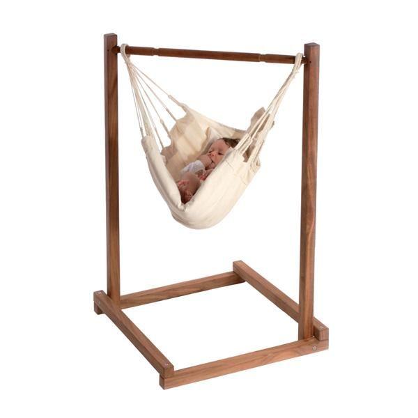 La hamacaYayitapermite al bebé descansar cómodamente bien arropado a la vez que ve lo está pasando a su alrededor.