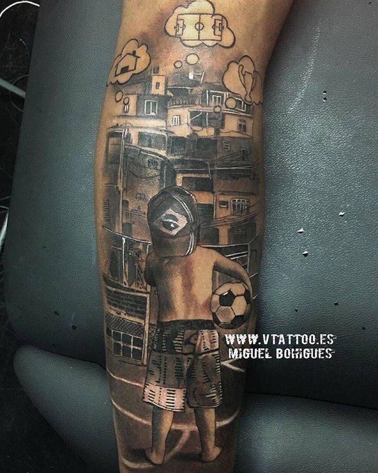 Tatuaje de estilo black & grey en el gemelo izquierdo de Neymar, obra de Miguel Bohígues.