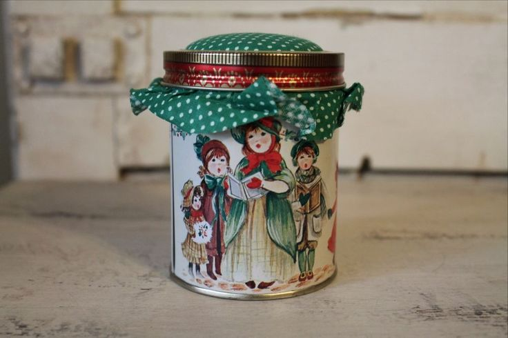 Jasco Holiday Essence Collector Tin and Candle Christmas Carolers Multi Color