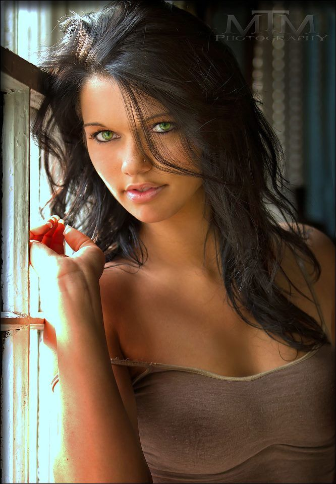Phrase sexy nude girls black hair green eyes with you