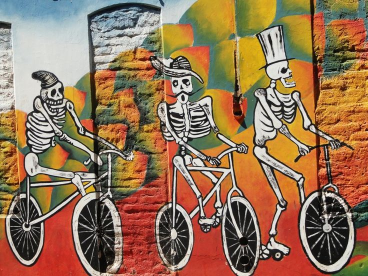 Valparaiso Street Art Gray Line 3