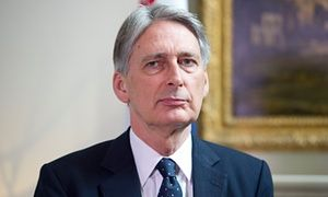Four-year EU benefits ban could change, Philip Hammond says The government's only goal is to deter EU migration, the foreign secretary tells Patrick Wintour  Philip Hammond