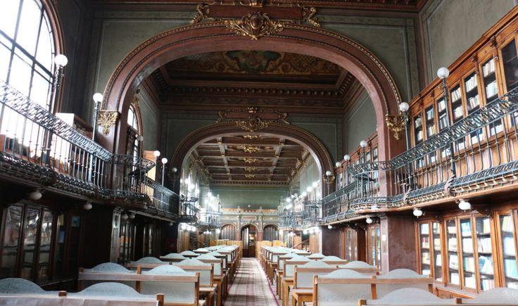 În România se află cea mai frumoasă bibliotecă din lume! Ea adăpostește un număr impresionant de …