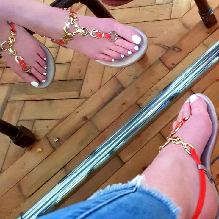 Slinking around the world in the best interchangeable sandals from Slinks
