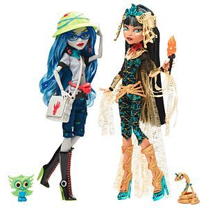 Check out the Monster High Cleo De Nile & Ghoulia Yelps 2-Pack (FCL36) at the official Mattel Shop website. Explore the entire Mattel Vault today!