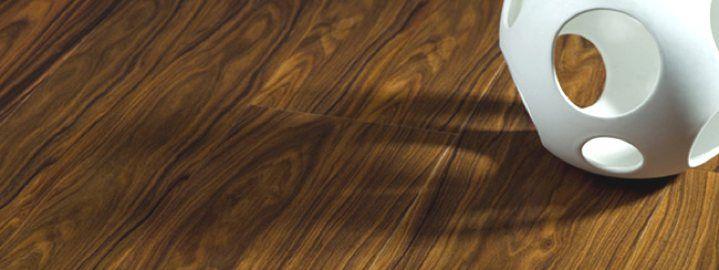 per chi vorrebbe il legno anche in bagno...ni ce l'abbiamo pavimenti in pvc effetto legno: resistenza maxi prezzo mini