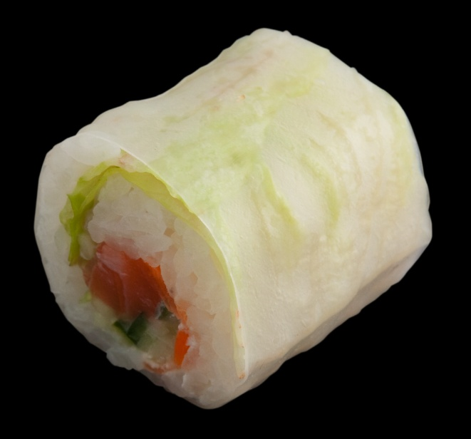Salmon Summer Roll at Sushi Counter - 24 AED (6 pieces) - call for delivery in Dubai!