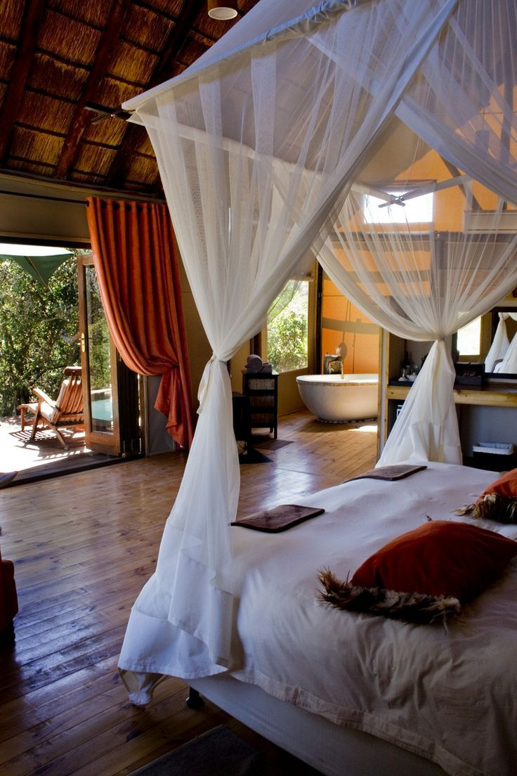Bush Lodge - Amakhala Game Reserve, South Africa