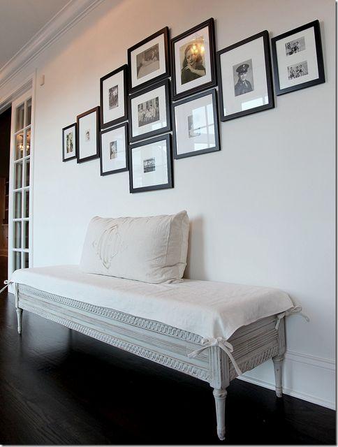 como acomodar las fotos de la boda: Idea, Photo Display, Picture Arrangement, Dream, Photo Wall, Living Room, Gallery Wall