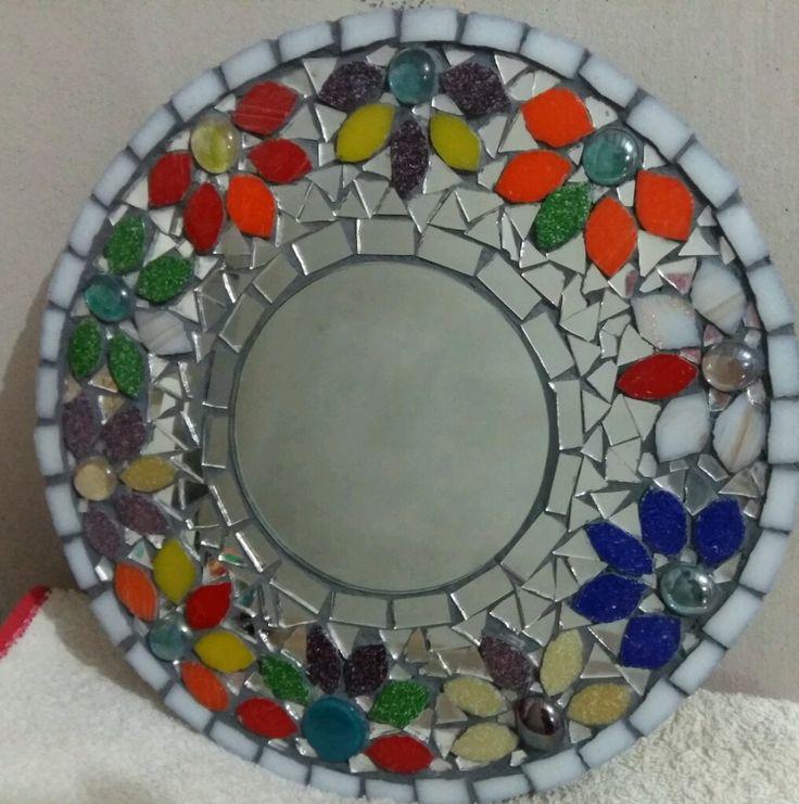 ¡Mirá nuestro nuevo producto  Espejo con mosaiquismo! Si te gusta podés ayudarnos pinéandolo en alguno de tus tableros :)