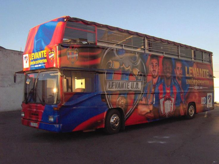 Tourist Bus Valencia is dressed in the colors of Levante UD.    Valencia Bus Turistic se ha vestido con los colores del Levante UD.    http://www.valenciabusturistic.com/