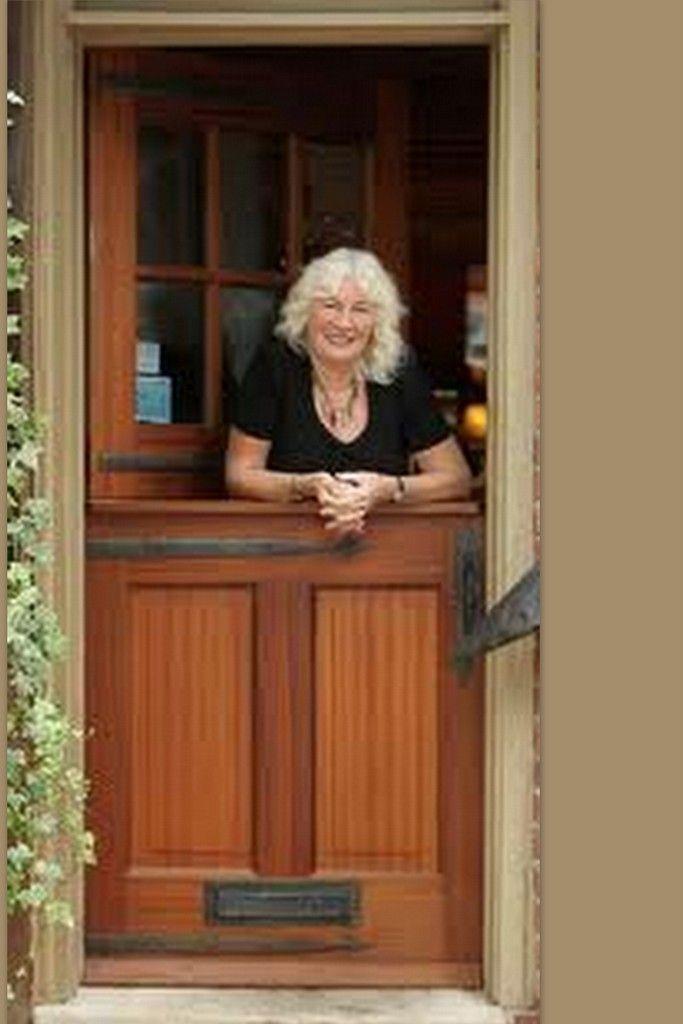 17 best images about dutch doors on pinterest stables for Half door ideas