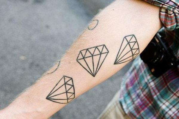 Cuál es el significado de los tatuajes de diamantes