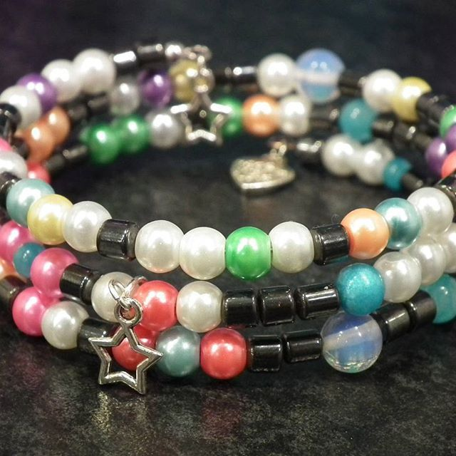 My daily challenge - day 75  More summer beads mixed with hematite, moonstones and jade Got some busy days, so I prefer playing with the…