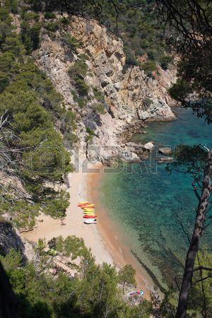 Kayaks en la playa de Tossa de Mar, Costa  Brava  Catalonia
