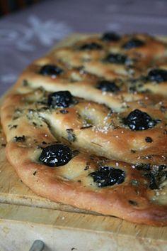 Fougasse aux olives noires et origan                              …