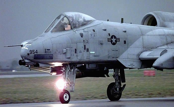 A10 warthog taxiing | Military and Commercial Aircraft ...